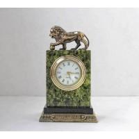 Часы из змеевика Лев